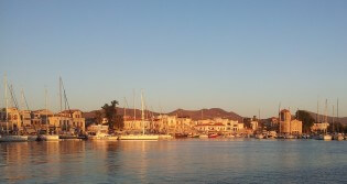 Zon op Aegina