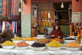 Enjoy strolling in Medina, Makkarech, Souks, Maroc