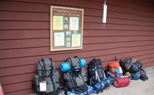 vrouwelijke backpackers