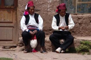 Inwoners Taquile, Titicacameer, Peru
