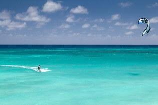kitesurfen, outdoor activiteiten, Grand Bahama