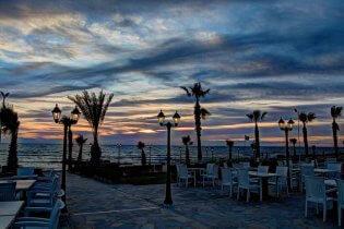 Paphos avond strand