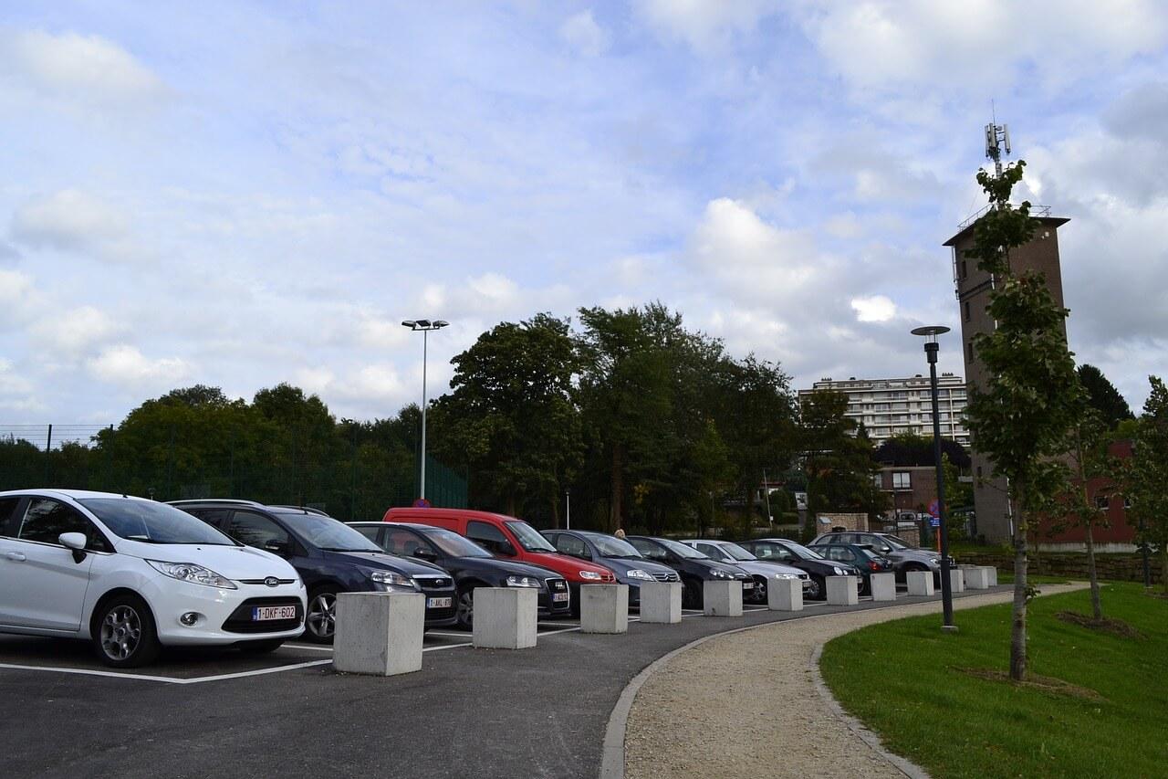 Kies altijd de beste parkeeraanbieders op Schiphol