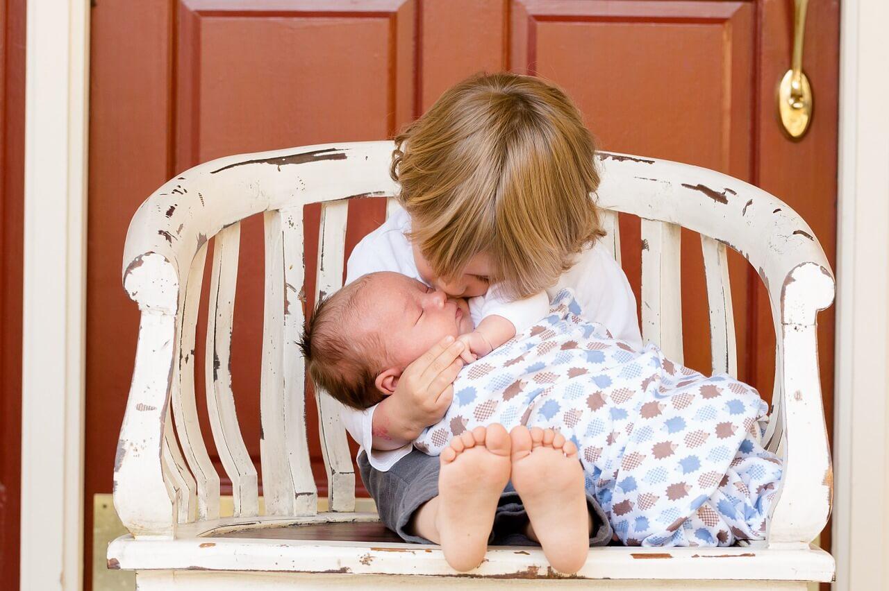 10 tips voor als je met je pasgeboren baby op vakantie gaat